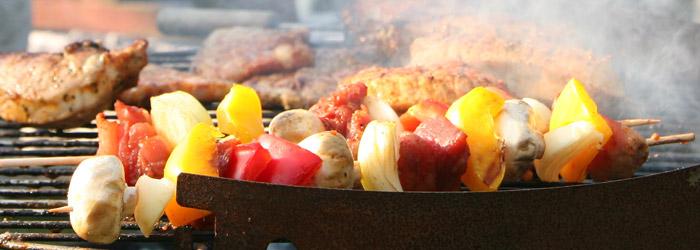 Holzkohlegrill, Elektrogrill oder gemauerter Grillkamin - Ihr Geschmack entscheidet